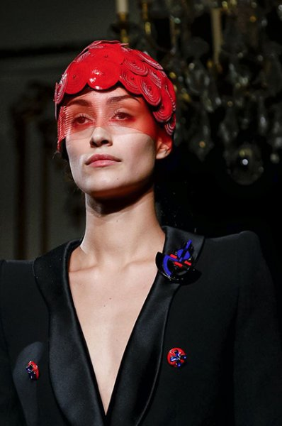 Неделя высокой моды в Париже: Эмбер Херд, Ума Турман с дочерью и другие на показе Armani Prive