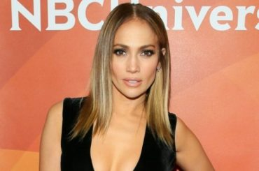 Jennifer Lopez posted a selfie without makeup and filters
