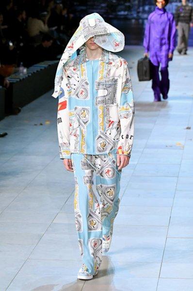 Наталья Водянова, Антуан Арно, Тимоти Шаламе и другие на показе Louis Vuitton в Париже