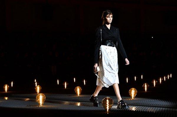 Джиджи Хадид и Кайя Гербер приняли участие в Неделе мужской моды в Милане