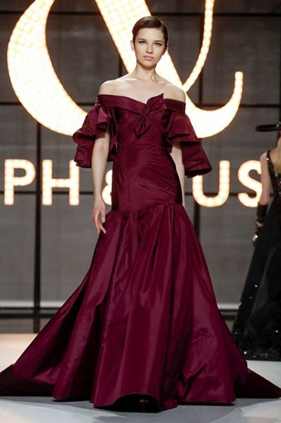 Неделя высокой моды в Париже: Азия Ардженто и Эльза Хоск на показах Antonio Grimaldi и Ralph&Russo