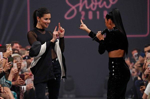 Адриана Лима и Николь Шерзингер стали главными звездами показа в Берлине