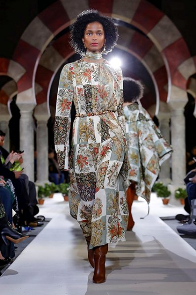 Неделя моды в Нью-Йорке: Белла Хадид, Пэрис Хилтон и другие на показе Oscar de la Renta осень-зима 2019/2020