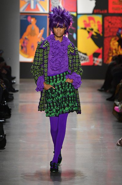 Неделя моды в Нью-Йорке: Белла Хадид и Кайя Гербер в цветных париках на показе Anna Sui сезона осень-зима 2019/2020