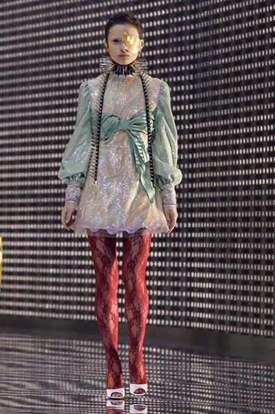 Неделя моды в Милане: Сальма Хайек, Эндрю Гарфилд и другие на показе Gucci сезона осень-зима 2019/2020