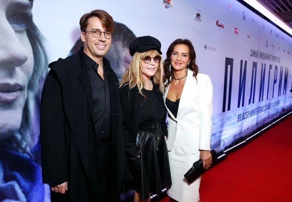 Алла Пугачева появилась на премьере ленты «Пилигрим» в стильном образе