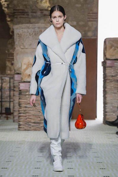 Неделя моды в Париже: Ума Турман, Азия Ардженто, Джиджи Хадид и другие на показе Lanvin осень-зима 2019/2020