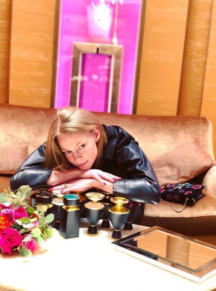 """Светлана Ходченкова показала обручальное колечко и получила премию """"Золотой Орёл"""""""