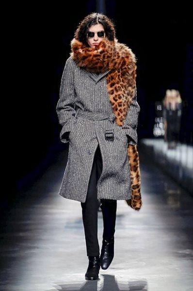 Неделя моды в Париже: Сальма Хайек, Линдси Лохан, Катрин Денев и другие на показе Saint Laurent сезона осень-зима 2019/2020