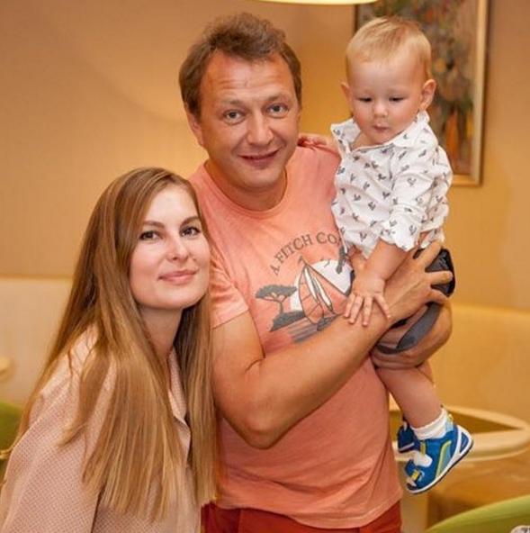 Всё-таки развод: супруга Марата Башарова устала терпеть его агрессию