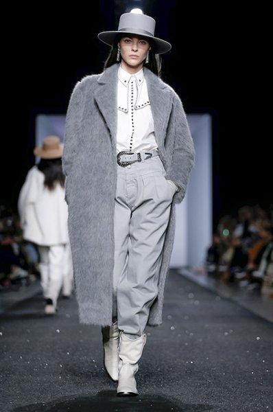 Неделя моды в Милане: Белла Хадид на показе Alberta Ferretti сезона осень-зима 2019/2020