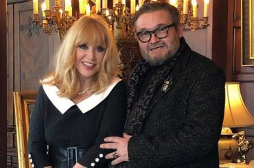 Time in Museum: Alla Pugacheva gave your suits to the fashion historian Alexander Vasiliev