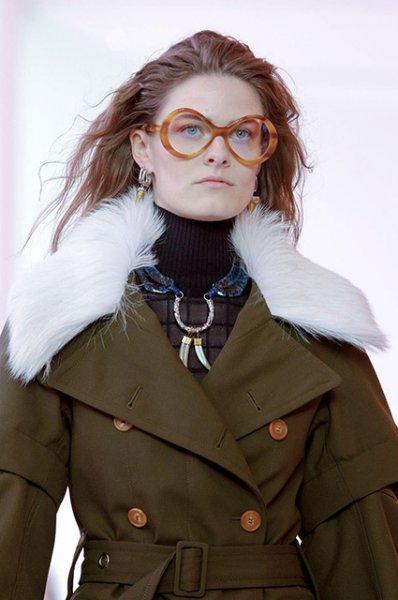 Неделя моды в Париже: Кайя Гербер, Жюльетт Бинош и другие на показе Chloe осень-зима 2019/2020