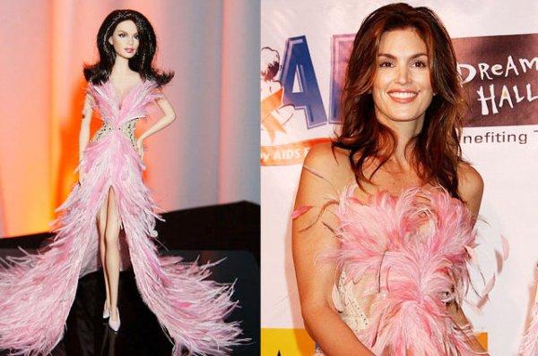 С Лагерфельдом на дружеской ноге: как Барби стала своей в мире моды