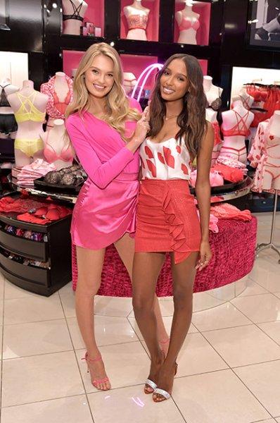 Модный дайджест: от экскурсии с Карли Клосс в ателье Dior до переработки обуви