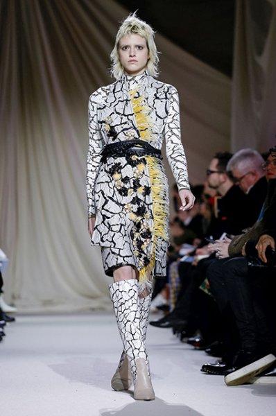 Неделя моды в Лондоне: Наталья Водянова и Ульяна Сергеенко на показе Mary Katrantzou сезона осень-зима 2019/2020