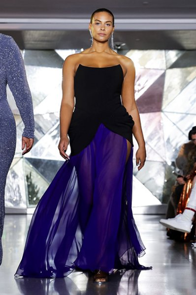 Неделя моды в Нью-Йорке: Эшли Грэм на показе Christian Siriano сезона осень/зима-2019/2020