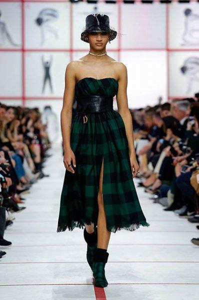 Неделя моды в Париже: Наталья Водянова с сестрой, Дженнифер Лоуренс и другие на показе Dior осень-зима 2019/2020
