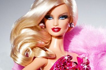 With Lagerfeld on a friendly footing: how Barbie became his in the fashion world