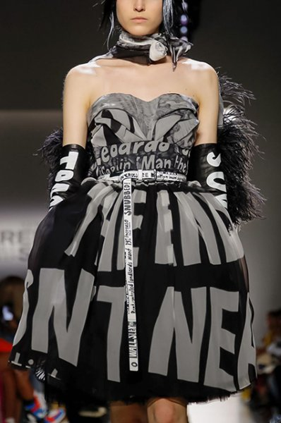 Неделя моды в Нью-Йорке: Кортни Лав и Стелла Максвелл на показе Jeremy Scott сезона осень/зима-2019/2020