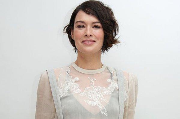 """Звезда """"Игры престолов"""" Лина Хиди ответила хейтерам, которые раскритиковали ее за отсутствие макияжа"""