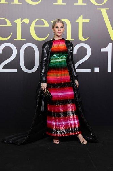 Неделя моды в Милане: Алессандра Амбросио, Милли Бобби Браун, Ева Герцигова на показе Moncler осень-зима 2019/2020