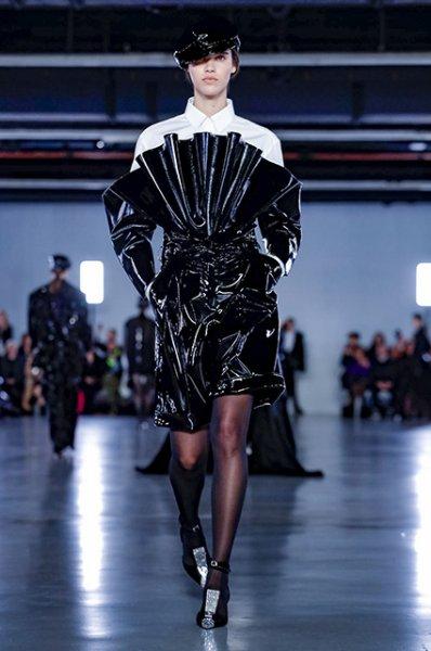 Неделя моды в Париже: Елена Перминова, Вера Брежнева, Шейлин Вудли и другие на показе Balmain осень-зима 2019/2020