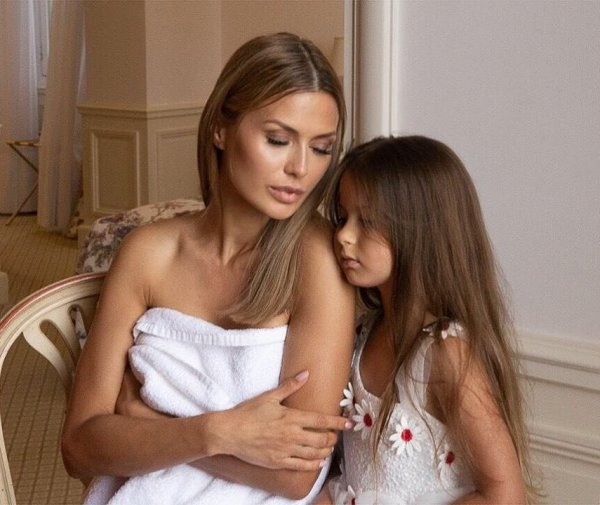 Виктория Боня готовит дочку к жизни с влиятельным мужчиной
