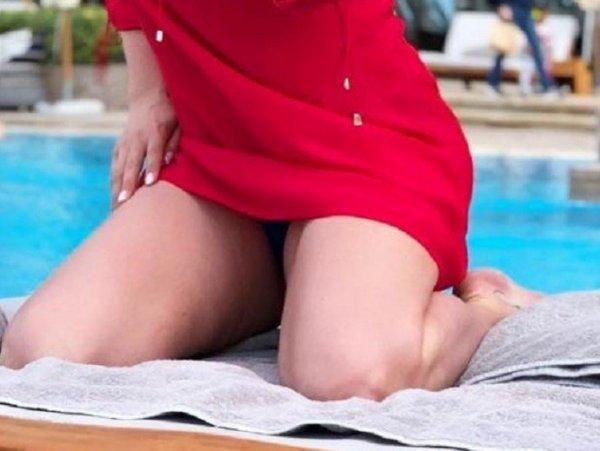 Анна Семенович огорчила целлюлитными ногами