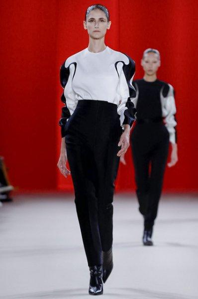 Неделя моды в Париже: Белла Хадид на показе Haider Ackermann осень-зима 2019/2020