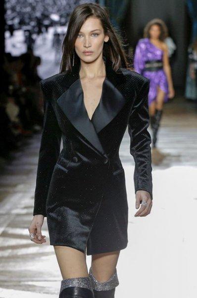 Неделя моды в Париже: Белла Хадид на показе Redemption осень-зима 2019/2020