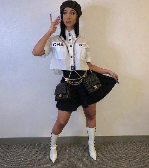 Карди Би хотят засудить за проституцию
