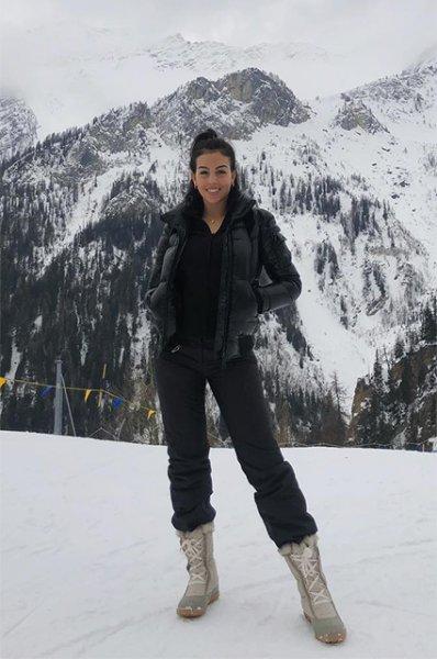 """Посторожи лыжи: что носят звезды на склонах """"Розы Хутор"""" и Куршевеля"""
