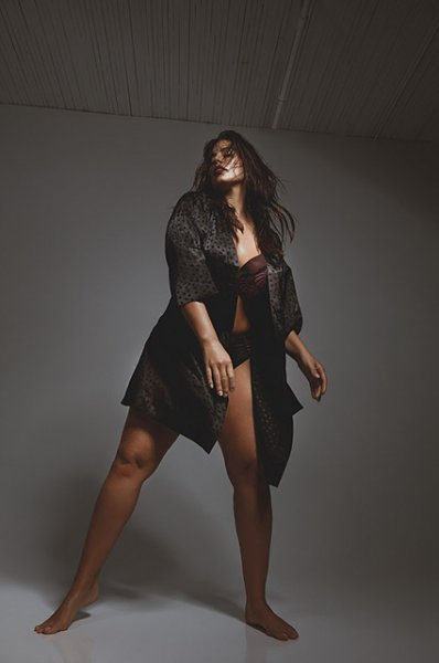 Эшли Грэм представила свою линию нижнего белья