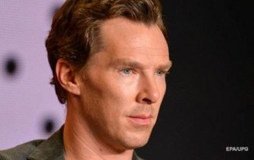 Benedict Cumberbatch knocked down a man and got a slap in the face