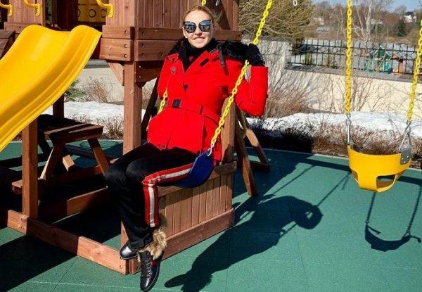 44-летняя Татьяна Навка неожиданно запела
