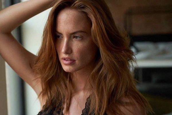 26-летняя Хейли Калил показала красоту тела, надев элитное нижнее бельё
