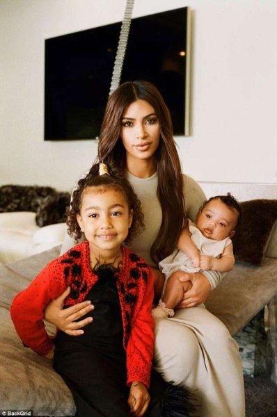 Ким Кардашьян впервые рассказала, как готовится к рождению четвертого малыша