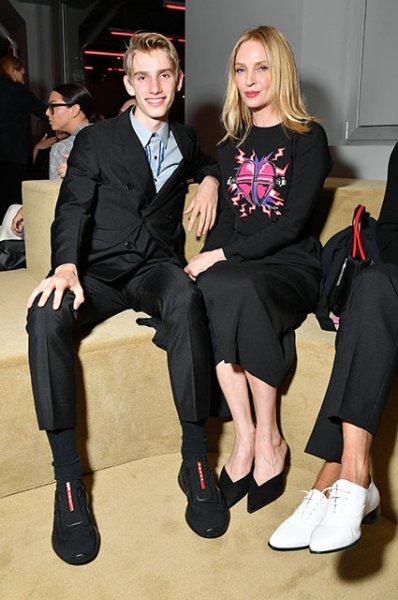 Ума Турман с сыном, Шейлин Вудли, Джиджи Хадид и другие на показе Prada Resort 2020