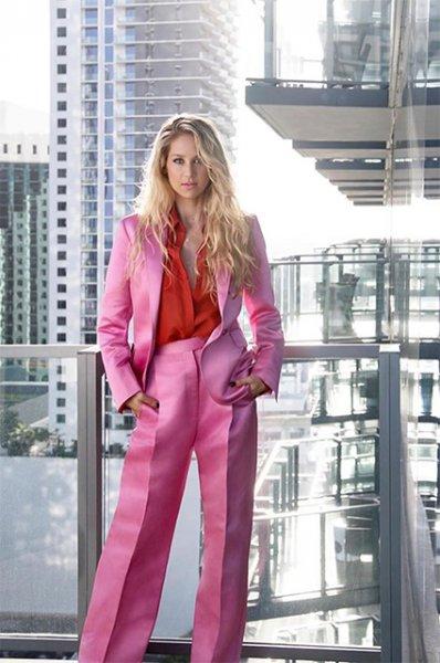 Жара в Майами: Анна Курникова снялась в купальнике для глянцевого журнала