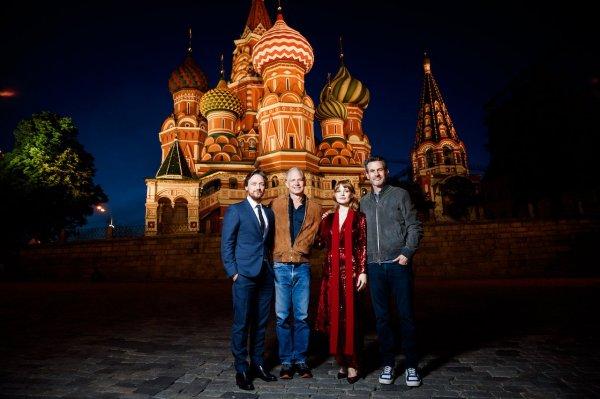Джессика Честейн оценила московское метро, а Джеймс МакЭвой «русский опыт»