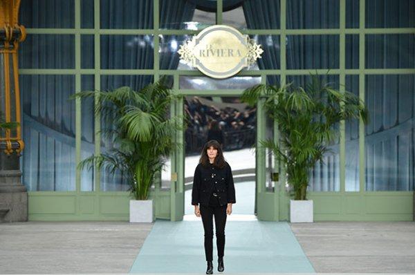 Кира Найтли, Ванесса Паради, Клаудия Шиффер и другие на показе Chanel Cruise 2020