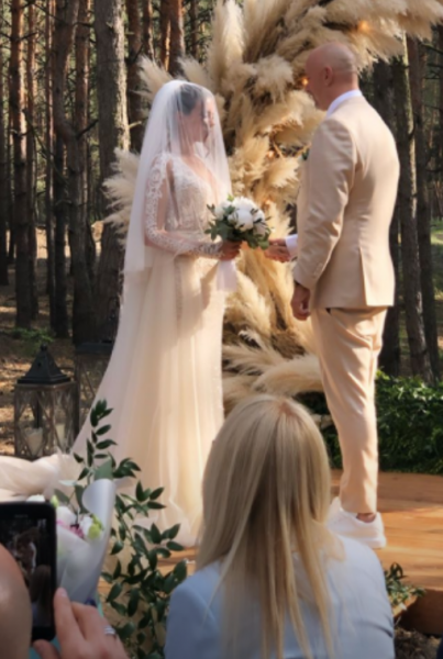 Потап и Настя Каменских празднуют свадьбу: первые снимки с торжества