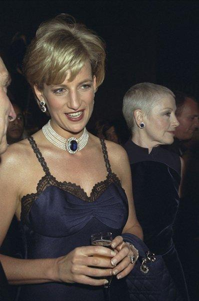 23 лучших бьюти-образа в истории Met Gala: от Джеки Кеннеди до Ирины Шейк