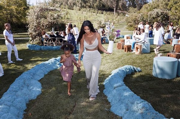 Ким Кардашьян и Канье Уэст стали родителями в четвертый раз