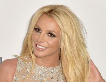 Britney Spears Hamming after therapy
