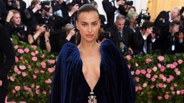 Irina Shayk first appeared on the catwalk after the break with Bradley Cooper