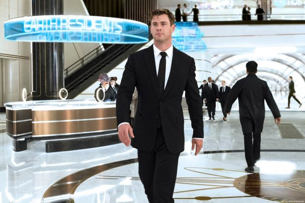 Фильм «Люди в чёрном: Интернэшнл» лидирует в российском прокате