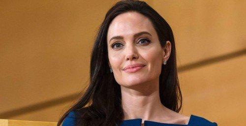 Почему Анджелина Джоли ни с кем не встречается?