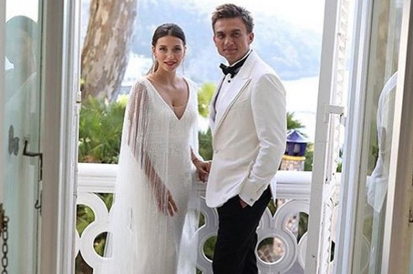 Стало известно, сколько стоила свадьба Регины Тодоренко и Влада Топалова